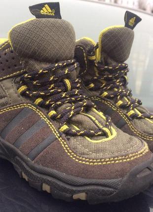 Кроссовки - ботинки adidas детские 22 размер