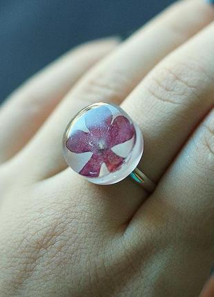 Круглое кольцо с цветком вербены