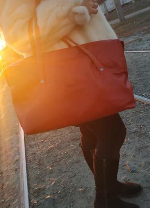 Кожаная красная сумка под формат а4