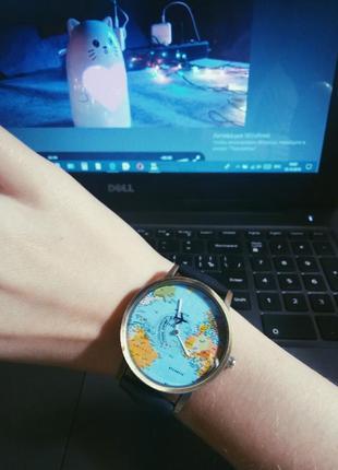 Новые часы с летающим самолётиком