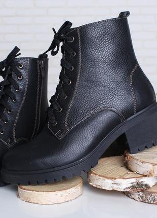 e29fb7638 ... Классные зимние женские кожаные ботинки черные широкий каблук шнуровка  молния 36-41р2 фото ...