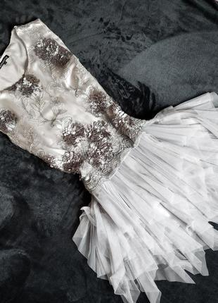 Платье с фатиновой юбкой (новое)