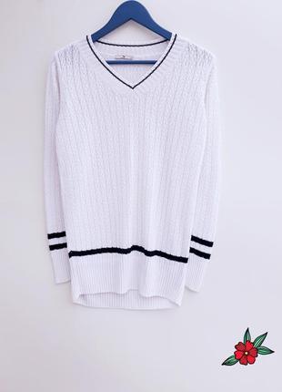 Белый свитер очень красивый удлиненный свитер