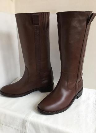 Сапоги кожаные демисезонные стильные 38/39 размер.