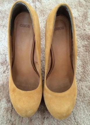 Горчичные туфли из натуральной замши asos.
