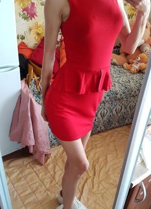 Элегантное платье с баской, платье миди с открытой спинкой от zara, платье по фигур