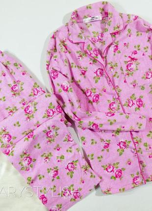 Теплая пижама в цветочный принт