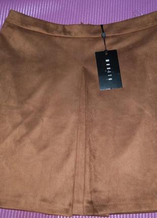 Замшевая/под замш  юбка-трапеция с  разрезом, от бренда mohito.