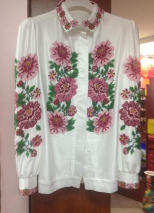 Раскошная рубашка вышита бисером нуждается в хозяйке1