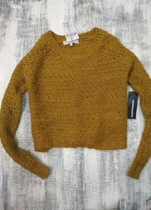 Укороченный свитер трендового горчичного цвета