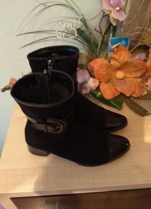 Нарядні замшеві чобітки 38-39 розміру 25см