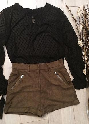 Замшевые шорты цвета хаки