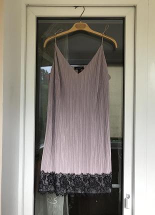 Платье с кружевом красивое и нежное