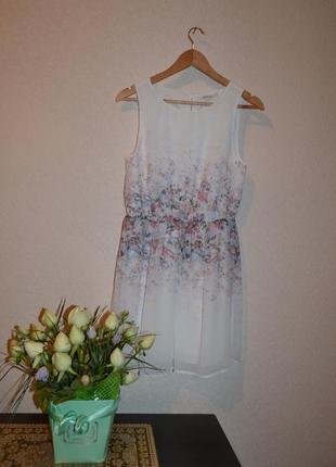 Платье нежное с цветочным принтом от cloukhouse