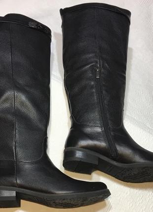 Зимние шикарные кожаные сапоги