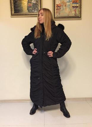 Стильное длинное пальто с капюшоном