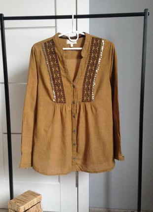 Рубашка горчичного цвета с вышивкой в идеале casablanca