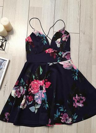 Платье короткое в цветочный принт