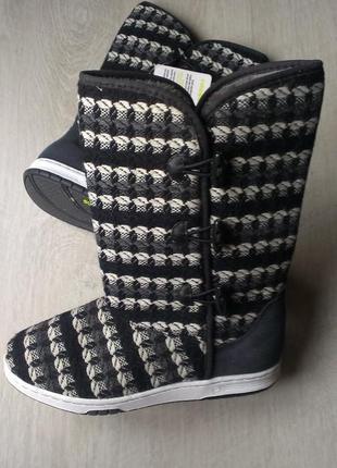 Угги известного бренда adidas.