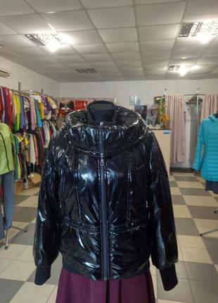 Куртка утепленная из натуральной лакированной кожи