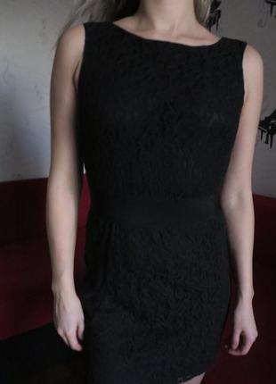 Платье базовое в узорах черное