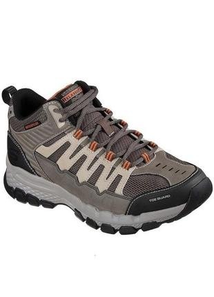 Skechers. стелька 26,5см. водонепроницаемые ботинки, кроссовки. широкие 4e. оригинал.