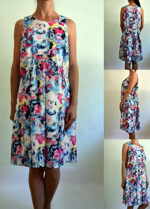 Яркое платье - плотный эластичный трикотаж