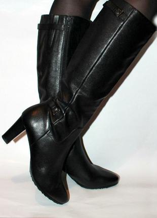 Демисезонные высокие сапоги на каблуке натуральная кожа италия