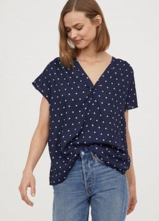 Блуза в горошек из вискозы от h&m
