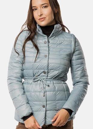 Демисезонная стёганая куртка-жилет.