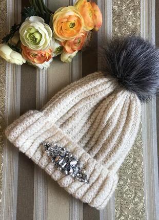 Шапка шапочка вязаная изинатуральной шерсти со стражами с камнями с помпоном бубоном