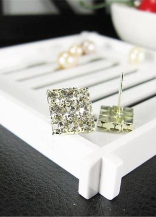 Серьги сережки с камнями квадрат гвоздики