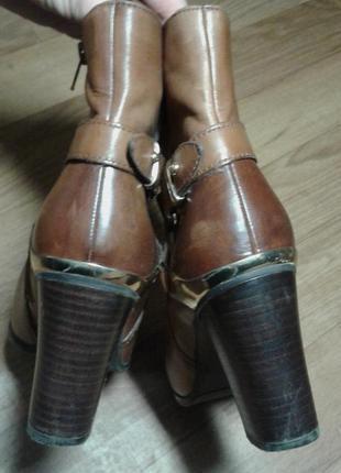 Шкіряні рижі черевики1  Шкіряні рижі черевики2 ... 90d7c9068ca0c