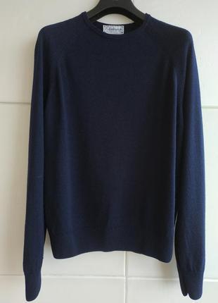 Шерстяной теплый свитер гольф базового синего цвета.