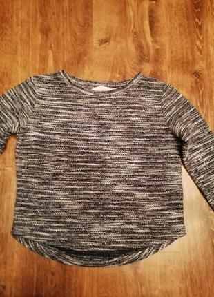 Очень симпатичный коротенький свитерок