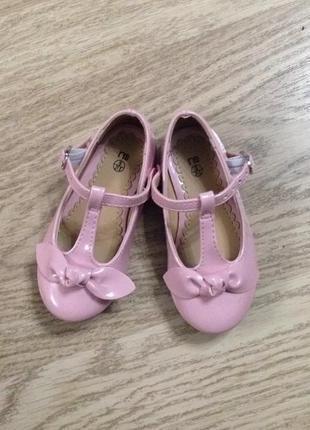 Нежно розовые туфли mothercare размер 21.5!
