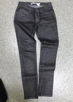Продам новые джинсы only - металлик