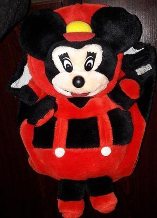 Эксклюзивный ,неординарный рюкзачок мики маус с мягкой набивной игрушкой