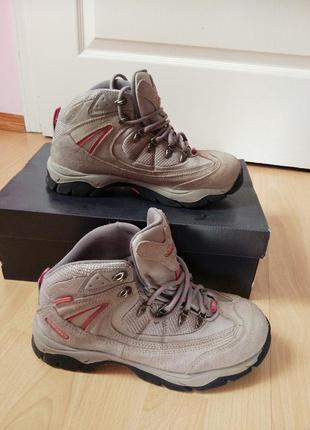 Ботинки для суровых погодных условий
