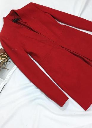 Красный удлиненный жакет zara