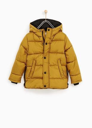 Базовая стеганая куртка с капюшоном на флисе zara р152