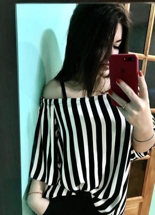Трендовая блуза свободного кроя с биркой