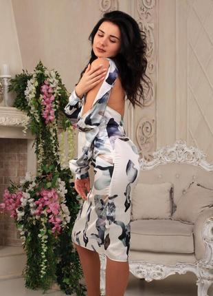 Вечернее нежное шелковое платье