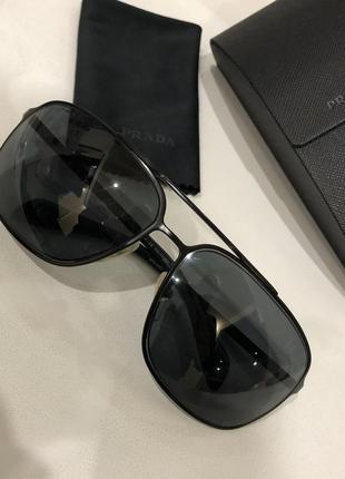 Солнцезащитные мужские очки prada