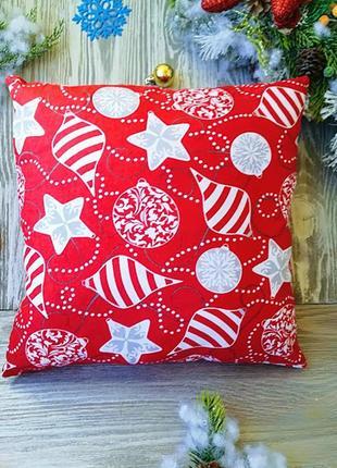 Подушка новогодняя красная серые гирлянды