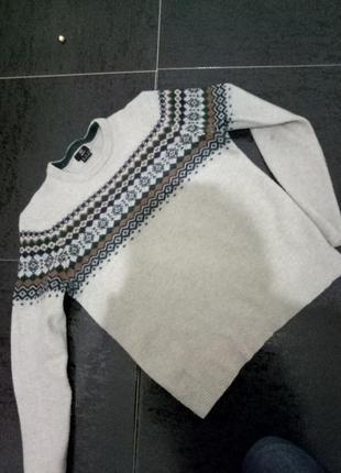 Теплющий свитер 80% шерсть ламы