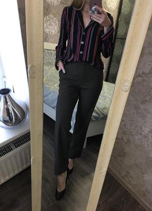 Классические брюки хаки