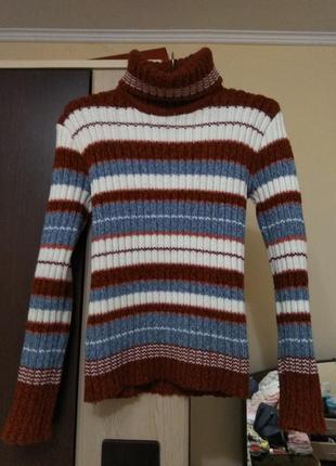 Вязаный свитер в рубчик