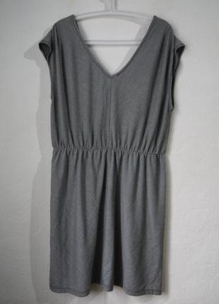 Трикотажное платье в мелкую полоску