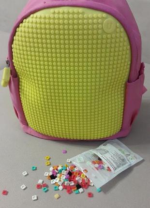 Модный рюкзак для девочки с пикселями.(upixel)